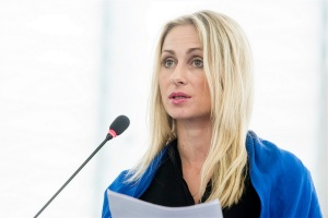 Charanzová Dita, an MEP for the Czech Republic, debates the DSMS – © European Union 2015 - European Parliament, licenced under CC BY-NC-ND 2.0