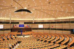 Plenarsaal_des_Europäischen_Parlaments_in_Brüssel.jpg